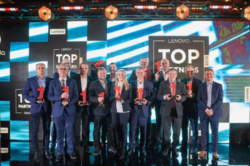 Lenovo sypnęło nagrodami