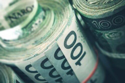Zarobki IT w I poł. 2020 r.: 20 tys. zł dla fachowca