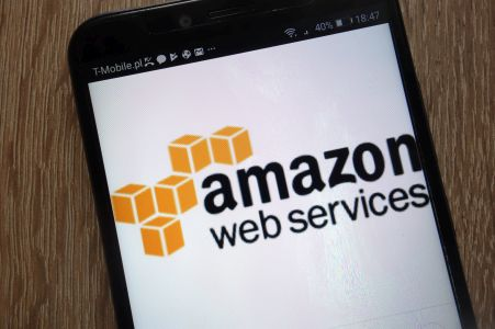 Amazon może zainwestować w koncern chmurowy