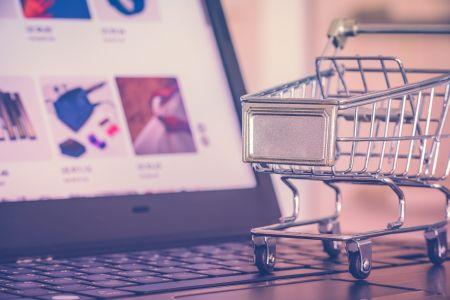 Platformy e-commerce są jak sędzia, który strzela gole