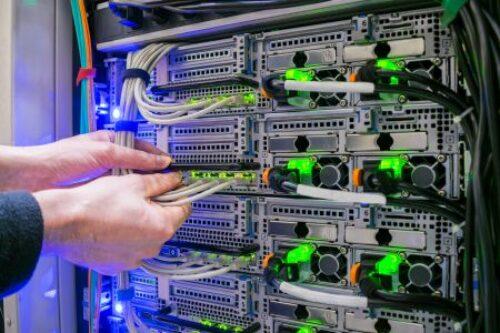 Dell i HPE tracą na rynku serwerów