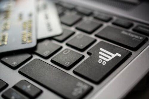 """E-sklepy z """"zaufanymi opiniami"""" klientów"""