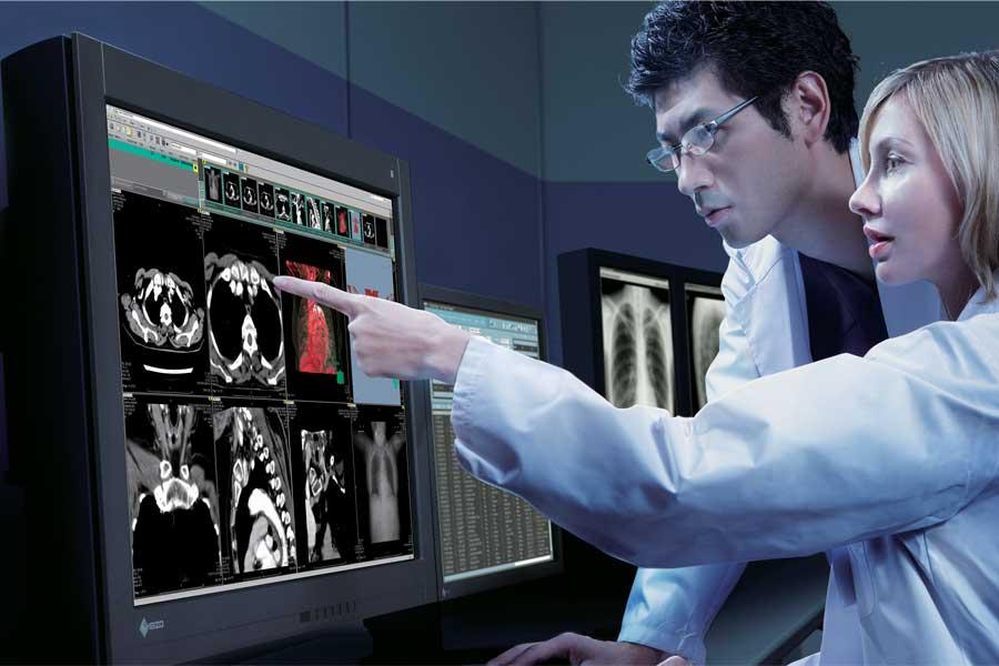 """Automatyczna kontrola monitorów diagnostycznych: konieczność w dobie """"koronakryzysu"""""""
