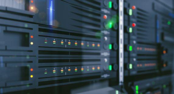 Rynek serwerów kontynuuje jazdę w dół