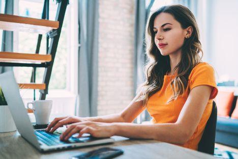Kobiety IT na Pomorzu: 30 proc. niższe zarobki, brak wiary w siebie