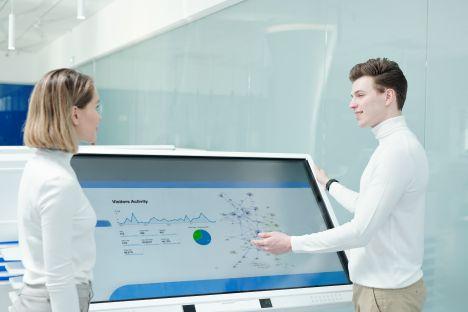 Rynek ekranów interaktywnych odżył