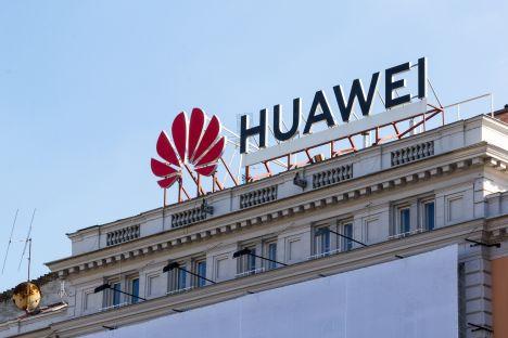 Huawei skarży się Brukseli na polskie władze