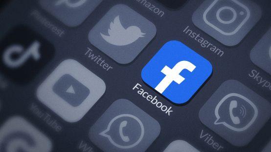 Czarne chmury zbierają się nad Facebookiem