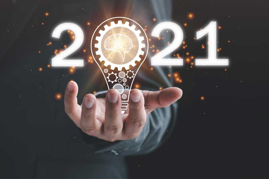 2021 rok pod znakiem hybrydy