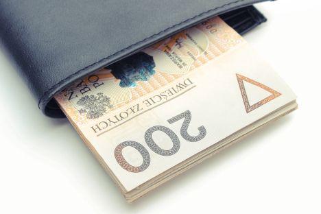 Zarobki IT: 12 tys. zł na etacie