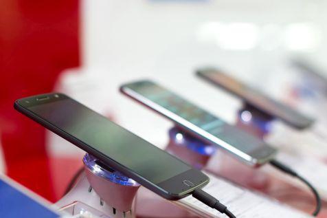 Spadek sprzedaży smartfonów w Polsce