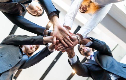 Asseco, Samsung, HPE i Amazon w jednym polskim komitecie