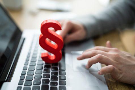 7 ofert w przetargu na laptopy, monitory i PC AiO dla KAS