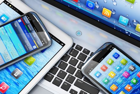 """Rząd daje zielone światło opłacie od smartfonów. """"Zapłacą konsumenci"""""""