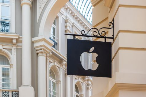 Apple: rekordy na Mac'ach. Braki komponentów problemem