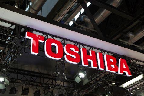 Właściciel Żabki kupi Toshibę?
