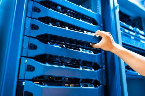 HPE bliżej Della na rynku serwerów