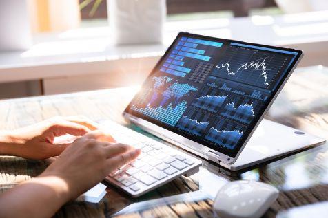 Rynek PC: Lenovo znów na szczycie w regionie, spadek HP