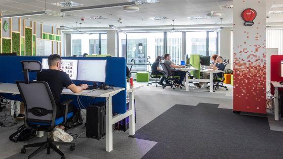 Polska spółka wchłania największą firmę e-commerce na Węgrzech