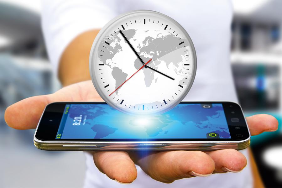 Rośnie czas spędzany z komórką: czy Twoja firmowa komunikacja to uwzględnia?