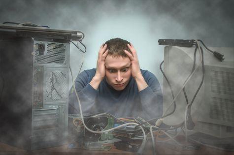 Przepracowani, wypaleni, niedoszkoleni specjaliści ds. cyberbezpieczeństwa