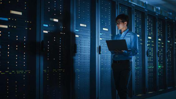 HPE o włos wyprzedziło Della na rynku przychodów z serwerów
