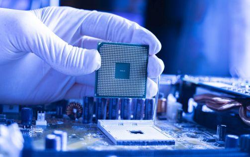 Intel radykalnie zetnie ceny czipów?